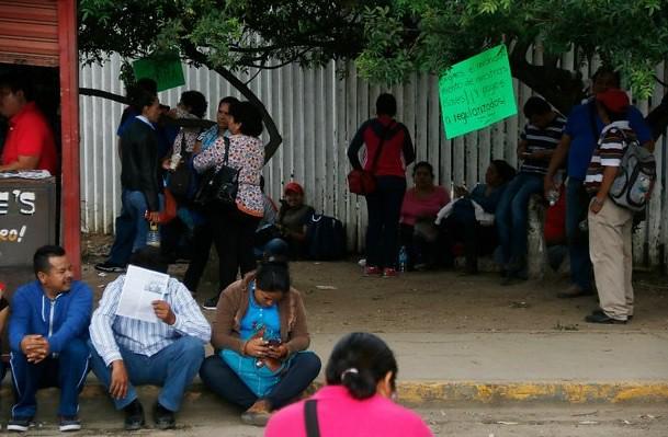 Retira policía estatal bloqueo de la CNTE frente al IEEPO
