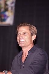 Casper Van Dien-signing