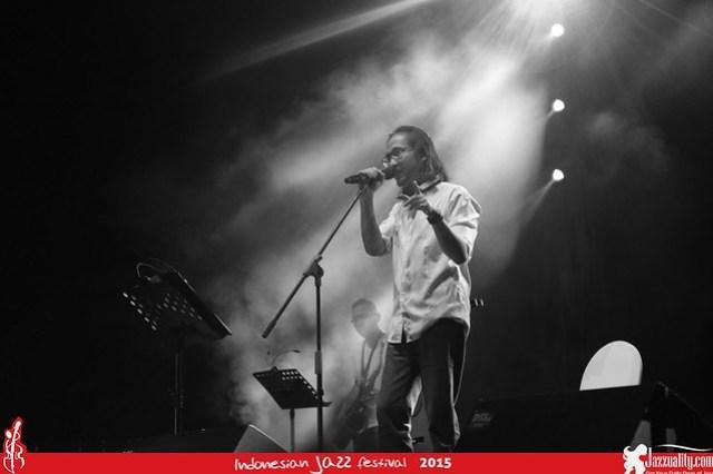 Indonesian Jazz Festival 2015 - Dian Pramana Poetra (2)
