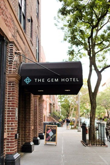 new york vibes at the gem hotel chelsea nyc. Black Bedroom Furniture Sets. Home Design Ideas