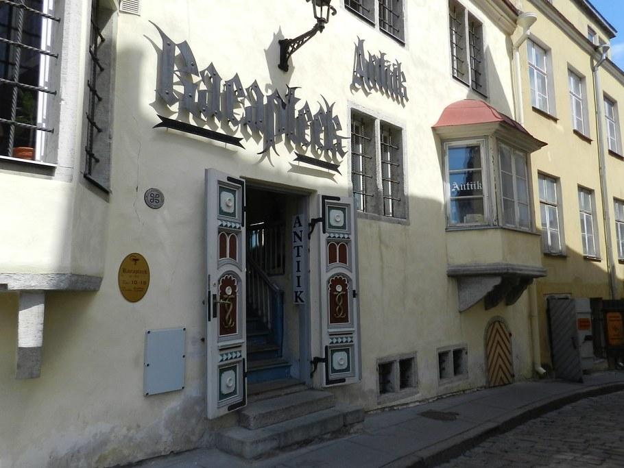 Museo Farmacia Plaza del Ayuntamiento Tallinn Estonia 01