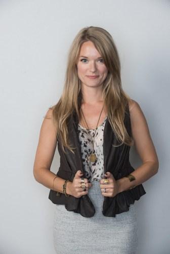 Amanda Mcclements - with Eden 0016 9376