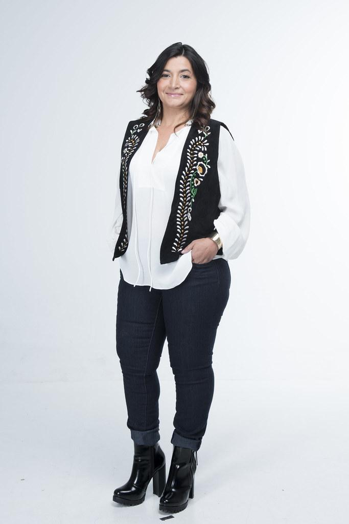 Ana, 40 anos, estudou Multimédia - Web Design, devido ao seu talento para as artes decorativas.