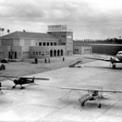 Aeroporto de Pedras Rubras em 1947, inaugurado a 3-12-1945