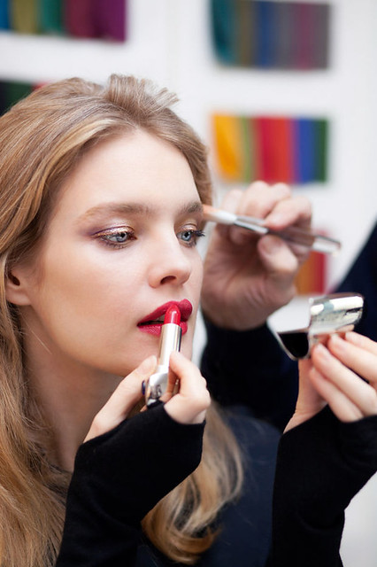 06 Guerlain Shalimar Holiday Make Up Collection by Natalia Vodianova swatches