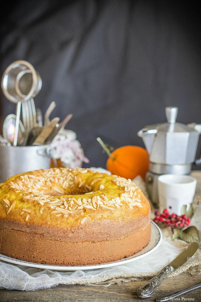 Ciambella all'arancia e cannella