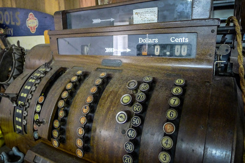 Old Cash Register-001