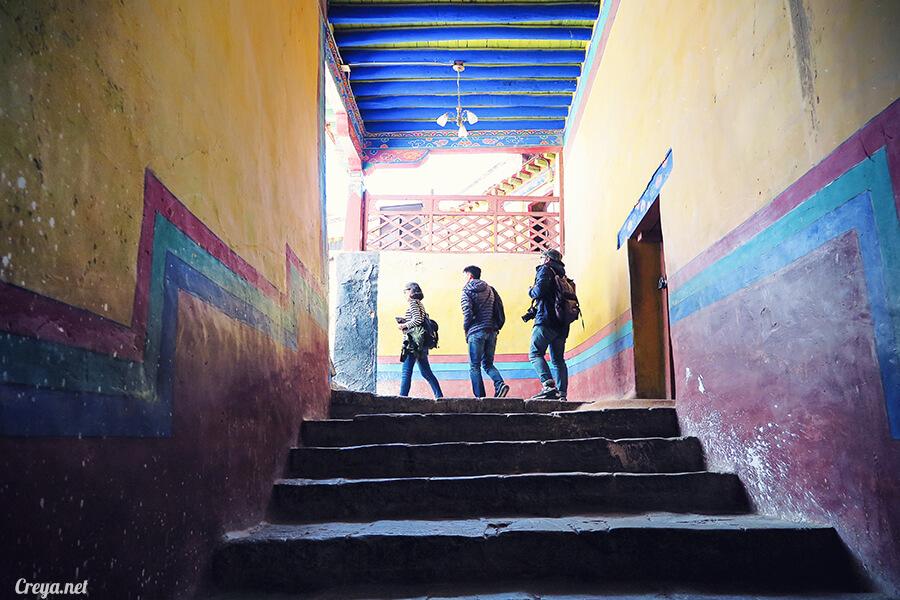 2015.12.04  Tibet 西藏踢北去   藏人的精神殿堂布達拉宮,但或許不只我們高山反應沒精神…17.jpg