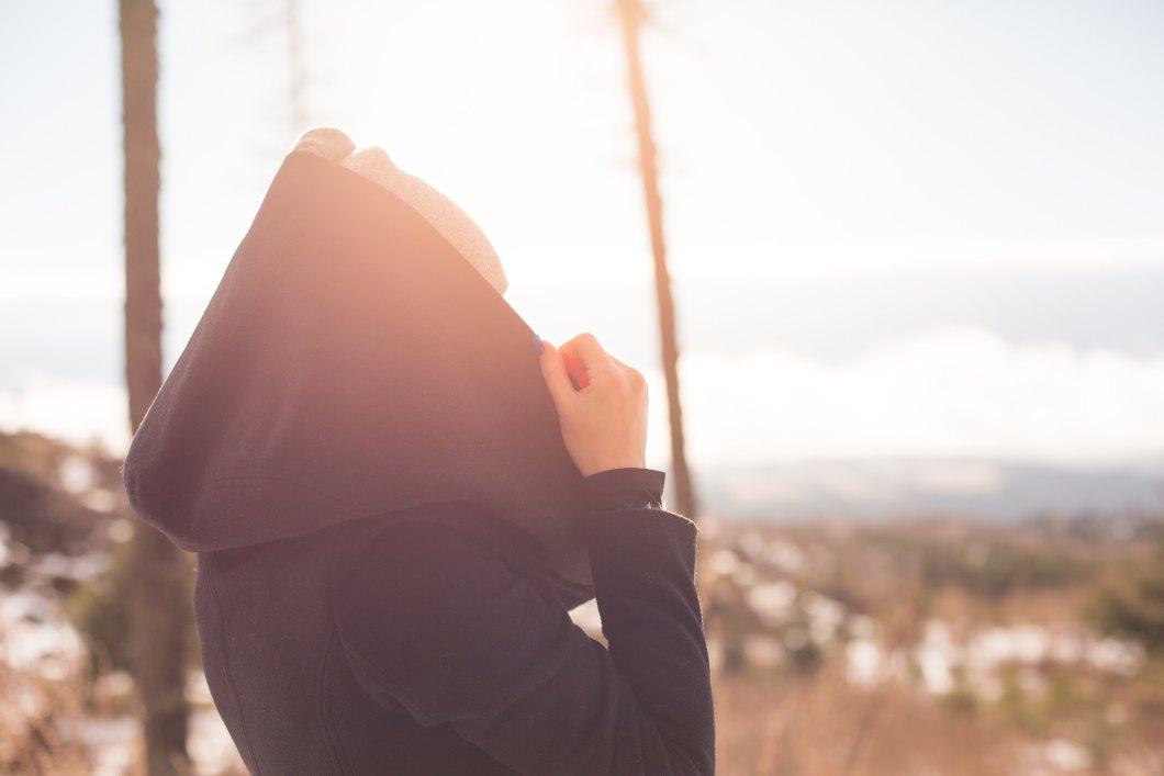 Imagen gratis de una chica bajo el sol