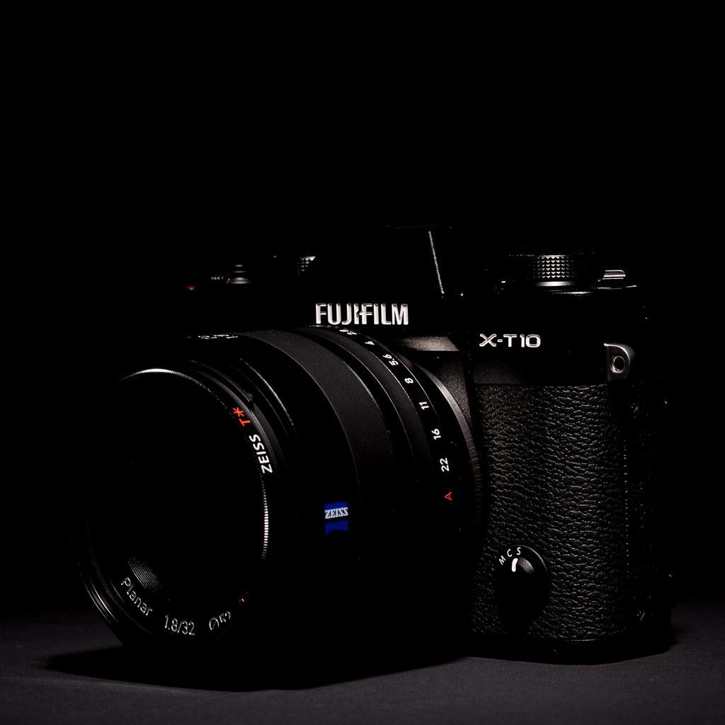 FUJIFILM X-T10 with Zeiss Touit 32mm f/1.8