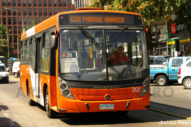 Transantiago - Redbus Urbano - Neobus Mega Low Entry / Mercedes Benz (BFKB50) (261)