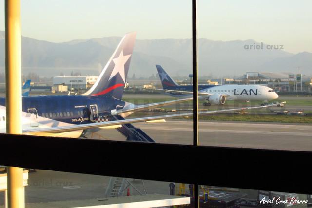 LAN Airlines - Boeing 787 Dreamliner