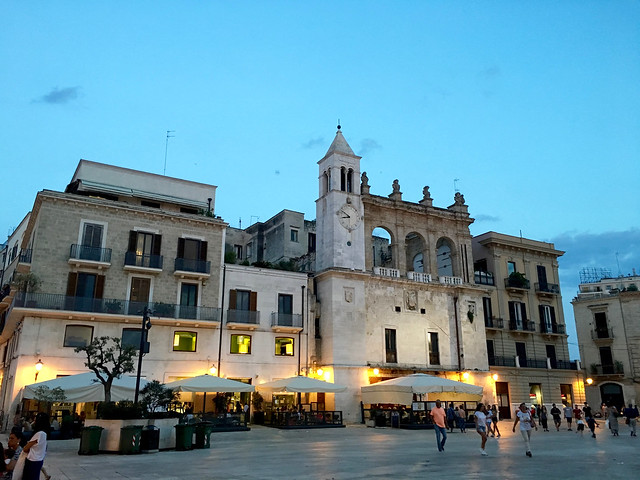 Puglia Bari Piazza Mercantile - 2