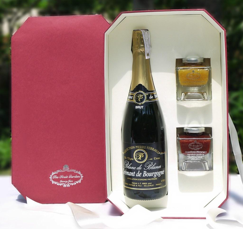 The Champagne coffret