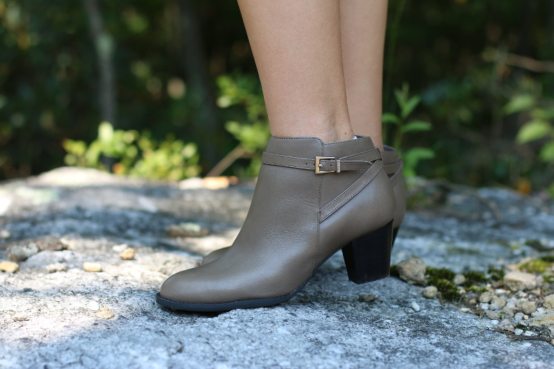 Vionic-shoes-gray-ankle-boots-4