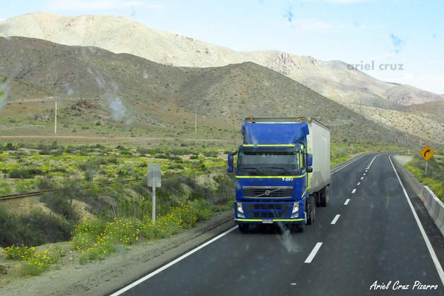 Camión Volvo en Ruta 5 - BYXP70