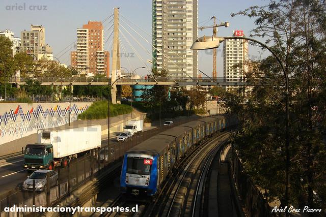 Metro de Santiago - Alstom NS2004 N2091 - Santa Ana / Los Héroes (L2)