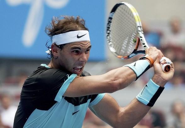 Nadal debuta con trabajada victoria y Djokovic arrolla