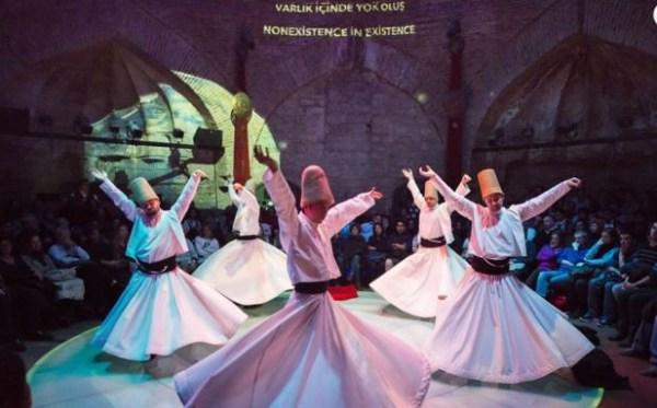 ホジャパシャ文化センターのセマーダンス
