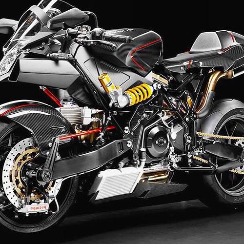 #vyrus 987 C3 4V  #motorbike what a beauty #bike #motor #sportsbike #sport #fastbike #europe #uk #london #dubai #america #classy #rich #millionaire #billionaire #lifestyle #Italy