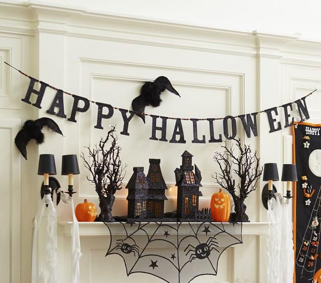 Happy Halloween Garland and decor