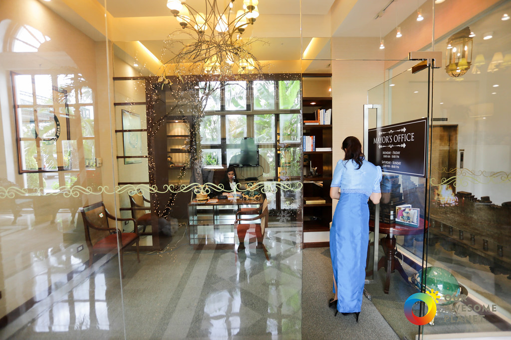 Manila Hotel Christmas Day 2-9.jpg