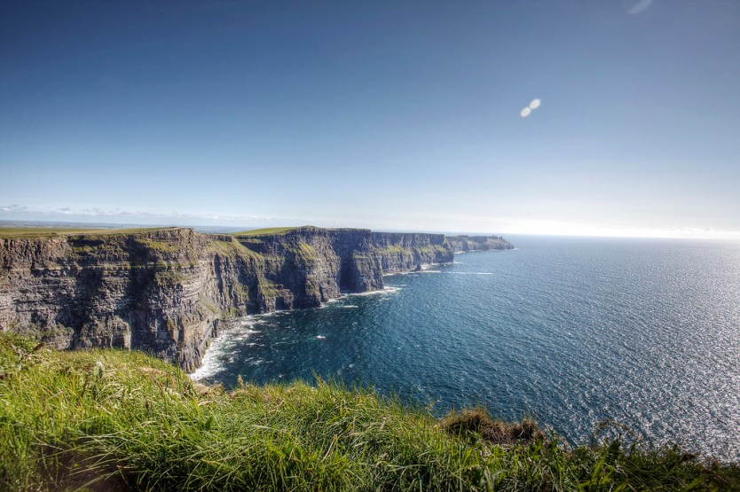 Looking south down the Cliffs of Moher.