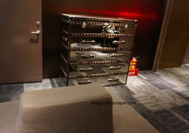 Relaxのエレベーターホール