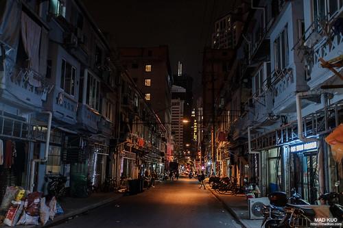 八點多的街道,已然靜悄悄。