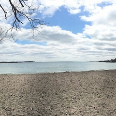Nice wind but chilly cherrybeachtoronto #cherrybeachto #toronto #outerharbourtoronto #outerharbour #outerharboursailing