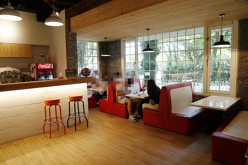 凱莉餐廳,台北美食,大草坪,文化大學,美國渡假村,美式早午餐,美式餐廳,野餐,陽明山,陽明山餐廳 @VIVIYU小世界