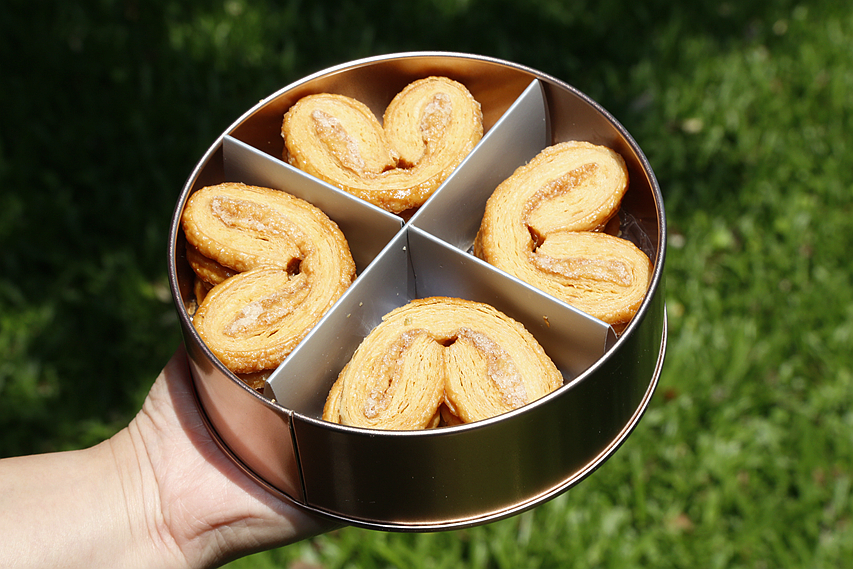 [台中美食]甜忌廉甜點店 Cream&Sugar|台中最新伴手禮.蝴蝶酥~玫瑰金鐵盒包裝.送禮高雅 @VIVIYU小世界