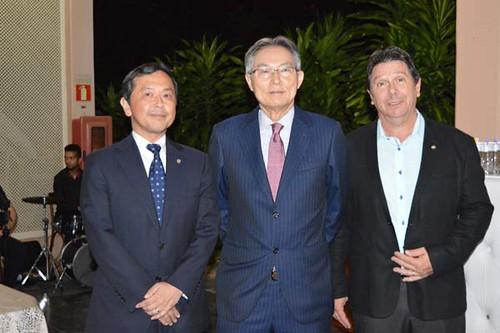 Sr. Kazuhiko, Sr. Naohiro e Vitor Alderico, Assessor Interno da Presidência e Gerente de Controle e Finanças