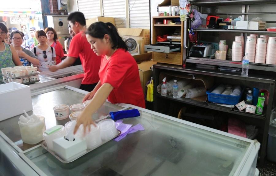 [花蓮美食]豐春冰菓店|壽豐火車站前僅夏天供應的古早味甘蔗冰~在地六十年老店 @VIVIYU小世界