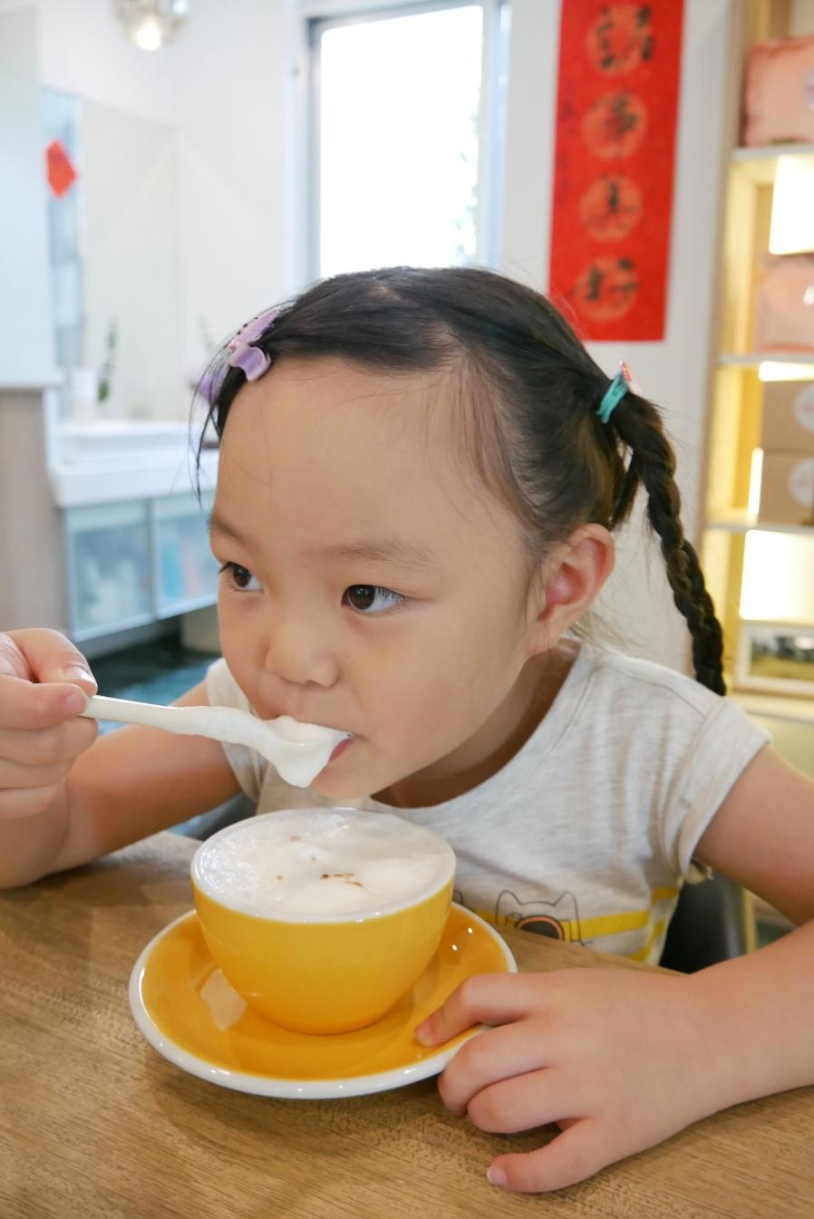 [嘉義美食]美好咖啡|遇見一天美好的開始~精選烘焙豆&自製甜點.首推假日限定男子漢提拉米蘇 @VIVIYU小世界