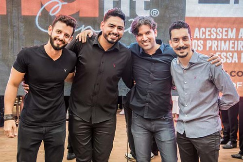 Augusto, Luan, Leonardo e Henrique, o diretor de marketing do grupo