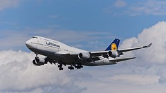 D-ABVW: Lufthansa Boeing B747-400
