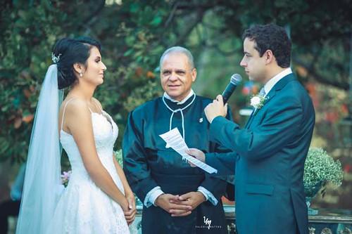 Beatriz e Felipe em cerimônia comandada por Caros Souto