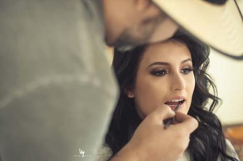 Beatriz foi maquiada pelo expert Gil Minogue em dia especial no espaço de beleza do profissional no Cariru