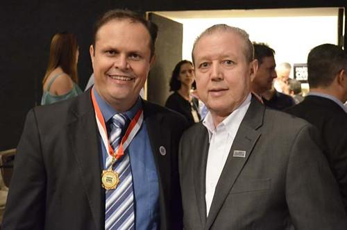 Dr. Gilmaro Alves e José Maria Facundes - Solenidade de entrega da Medalha Distinção Polícia Civil de 2019 - Foto Emmanuel Franco (1)