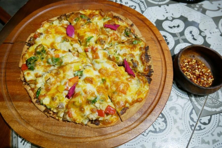 (關門大吉)[桃園美食]梳子餐廳 中正藝文特區旁~時尚森林系蔬食餐廳.川味創意素食料理 @VIVIYU小世界