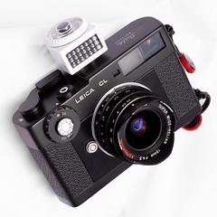 Leica CL mit Voigtländer  15 mm f/4.5 und Belichtungsmesser