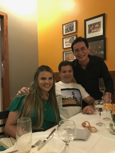 Keila e Ronaldo Maia com Max Lana