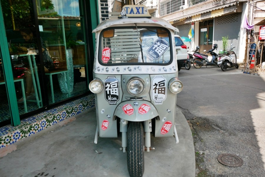 [尖竹汶府美食]福 Fu Cafe|二層樓座位的網美咖啡店風格~平價享受.好拍照 @VIVIYU小世界