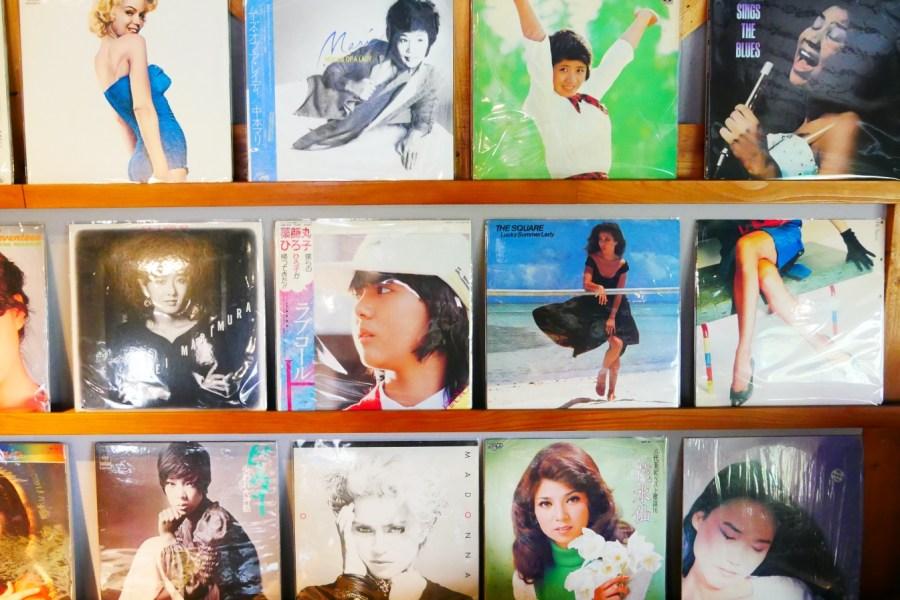 [龜山美食]六禾音樂故事館|林口長庚醫院旁的黑膠唱片咖啡館~走入懷舊的音樂時光 @VIVIYU小世界