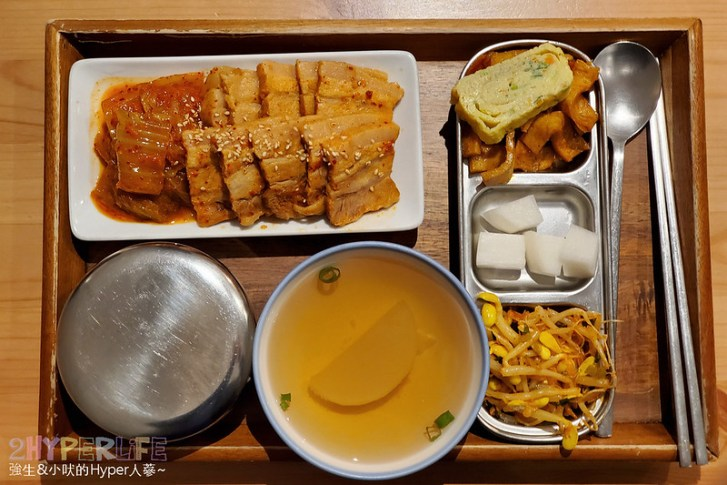 49401859818 0f42dc48b8 c - 中友百貨後方平價韓式料理,小小店面總是塞滿人~KBAB大叔的飯卷菜單改版後沒賣飯卷囉!