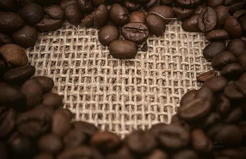 coffee beans, heart