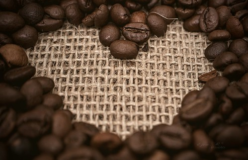 coffee beans, heart