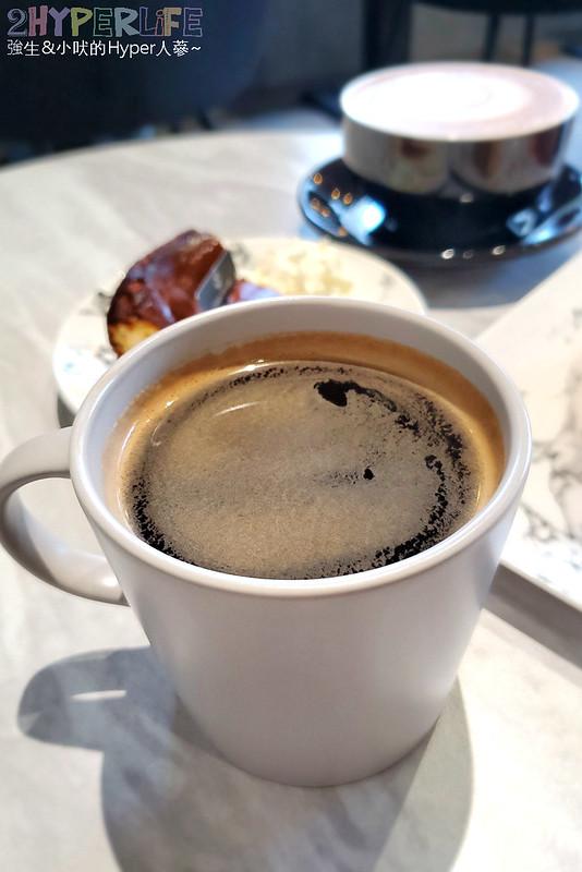 49616204078 8e55cd1052 c - 主打特殊口味千層蛋糕,Cuppa VV Cafe氛圍舒適吸引好多妹子來拍照啊!