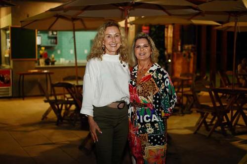 Raquel de Carvalho e Carmelita, amigas desde sempre